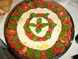 Italian meal structure - An Insalata Caprese, a cold dish which might be consumed at a lunch in Italy during the hot summer.
