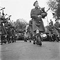 Muziekkorps van het regiment The Seaforth Highlanders of Canada Doedelzakspeler, Bestanddeelnr 900-4782.jpg