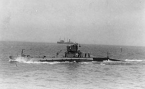 NH-53610 USS H-7 underway, circa 1922.jpg