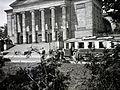 Nagyszínház (Teatr Wielki im. Stanisława Moniuszki) a Mickiewicz Parkból nézve. Fortepan 100543.jpg