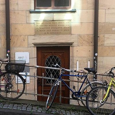 Namenstafel Deutsches Haus beim Lustnauer Tor Tübingen.jpg
