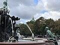 Neptunbrunnen 061.jpg