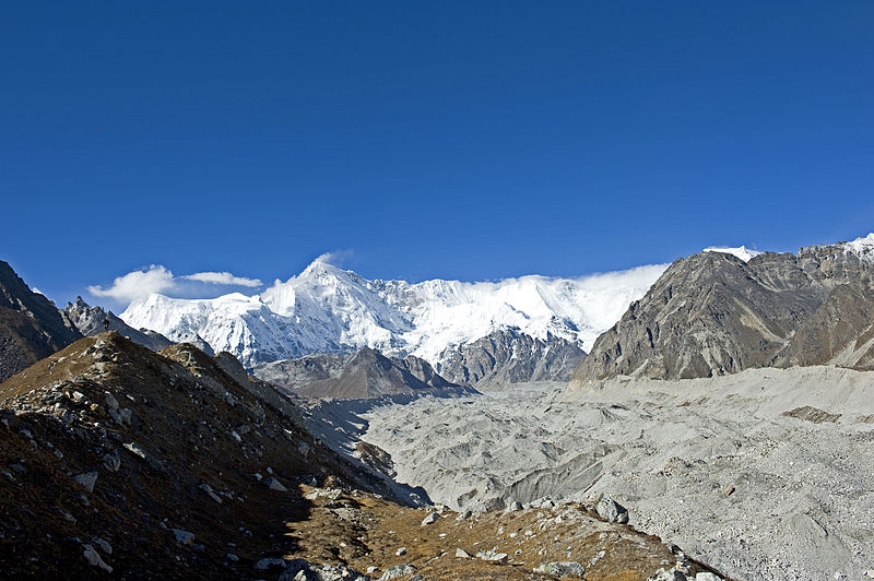 File:Ngozumpa glacier viewed from Gokyo.jpg