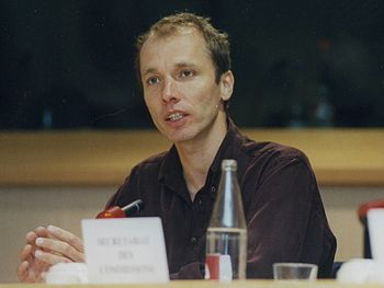 English: Nicky Hager speaking to the European ...