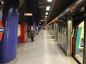 North Greenwich tube station - Platform 2 at North Greenwich