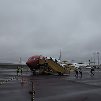 Boarding (transport) - Boarding a Boeing 737 at Kiruna Airport in Sweden.