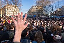 220px-Nuit_Debout_-_Paris_-_41_mars_02 dans Corruption