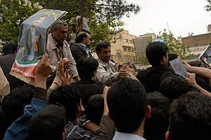 Mahmoud Ahmedinajad meeting supporters on May ...