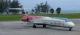 Een McDonnell Douglas MD-82 van One-Two-GO