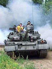 Czołg T-55AM jako eksponat w Muzeum Polskiej Techniki Wojskowej
