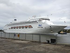 Pacific Dawn (ship) at Portside Wharf 02.jpg