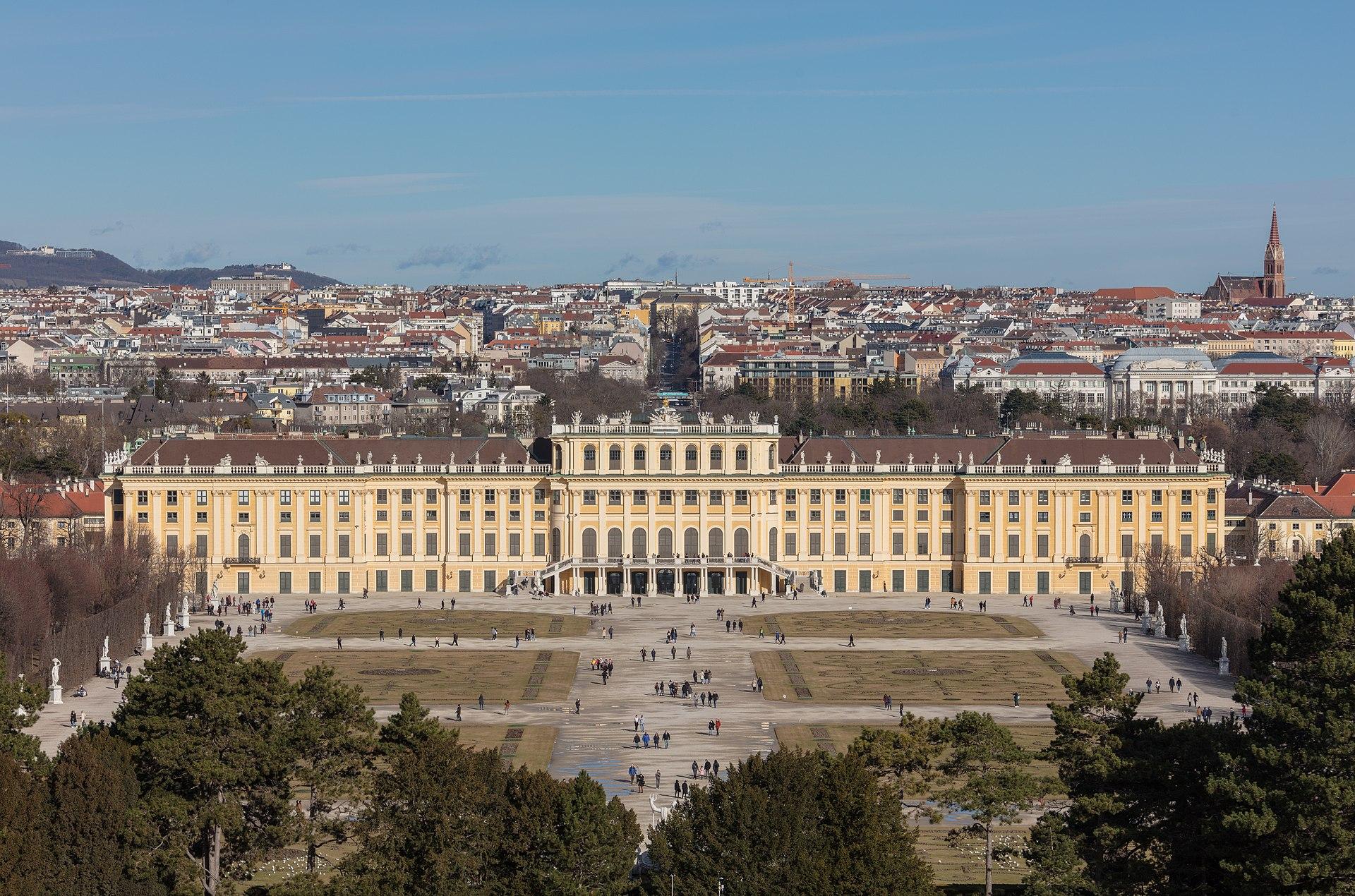 Palacio de Schönbrunn, Viena, Austria, 2020-02-02, DD 28.jpg
