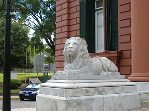 Palacio de los Leones - A close-up of the left-side lion