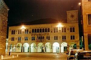 Belluno - Palazzo dei Rettori by night.