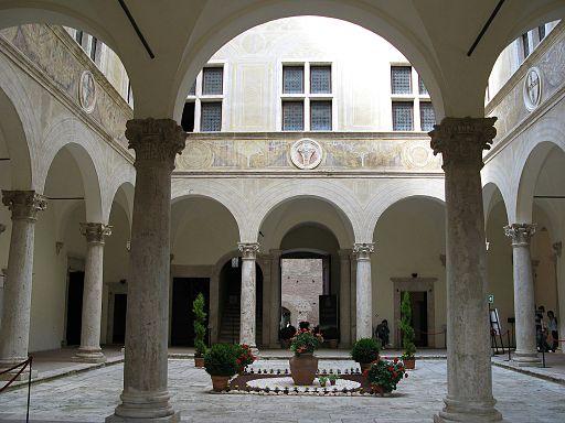 Pienza, Palazzo Piccolomini, cortile