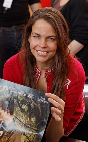 Margaret Stohl - Stohl at a 2013 book fair in Salon du Livre, Paris
