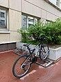 Parking à vélos rue du Diapason (Lyon).jpg