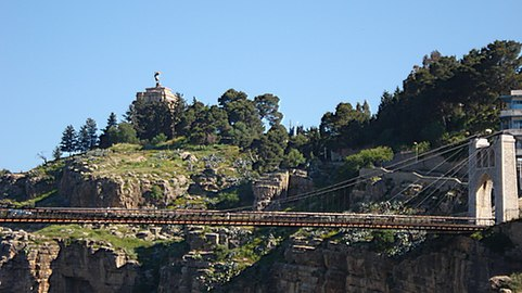 Photo du pont Sidi Msid et Le Monument.jpg