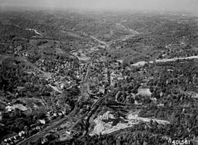 Photograph of Aerial View of Murry City, Ohio - NARA - 2128905.jpg