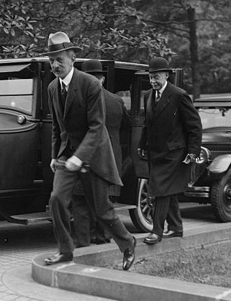Pierre de Chambrun - Pierre Chambrun (right) and Émile Daeschner (left), French ambassador to the United States, in Washington D.C., 1925