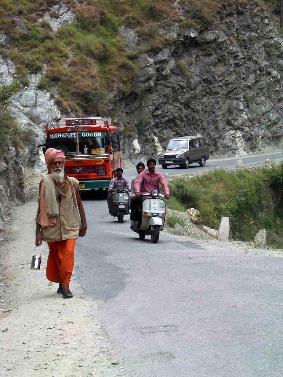 Pilgrims coming to Manakaran