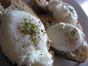 la salade vosgienne 300px-Poached_eggs_with_moccha_salt