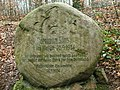 Pomnik z zajączkiem - panoramio.jpg