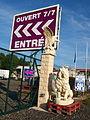 Pont-sur-Yonne-FR-89-dépot de décorations de jardin-03.jpg