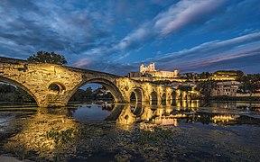 Pont Vieux et Cathédrale Saint-Nazaire.jpg