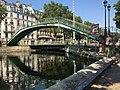Pont de voie navigable dans Paris et VHF.jpg