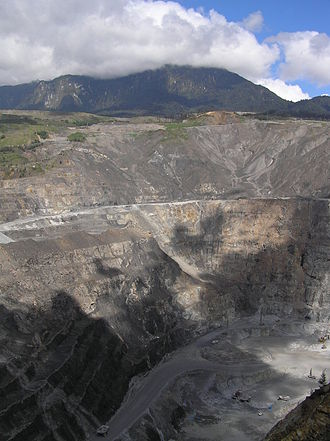 Porgera Gold Mine - Looking down into the Porgera open pit