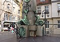 Postplatzbrunnen eingehaust.jpg