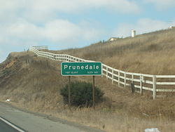 Population sign for Prunedale along northbound Highway 101.