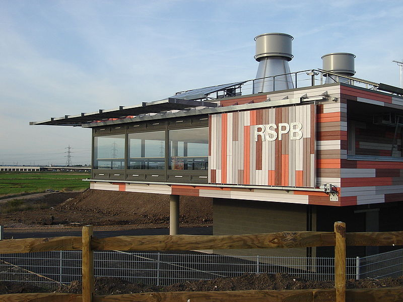 File:RSPB Environment and Education Centre, Rainham Marshes.jpg