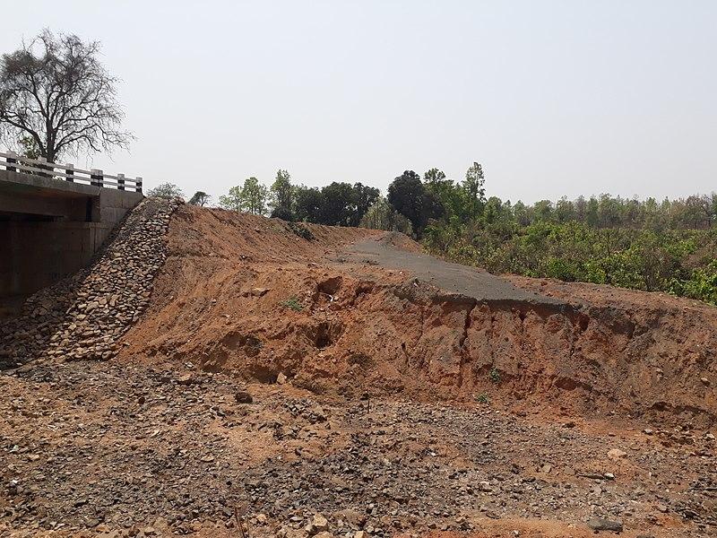 File:Rampurhat to Dumka road13.jpg
