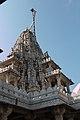 Ranakpur-Adinath temple-06-Shikhara-20131012.jpg