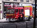 Renault fire engine in Paris PS135.JPG