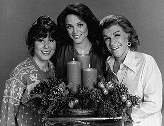 Rhoda - The cast of Rhoda. From left to right: Julie Kavner, Valerie Harper, Nancy Walker.