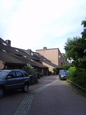 Woonerf - A purpose designed woonerf in east Utrecht