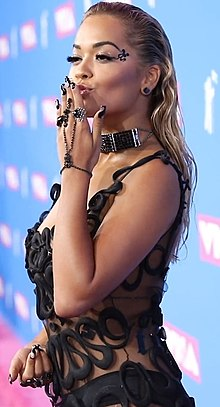 Rita Ora at VMA 2018.jpg