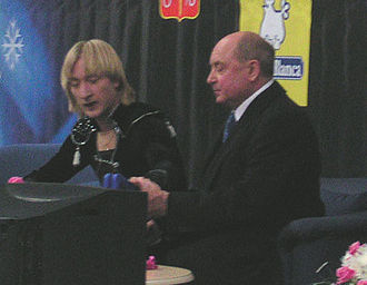 Evgeni Plushenko - Plushenko and longtime coach Alexei Mishin at the 2004 Russian National Championships