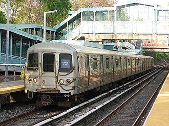 Staten Island Railway - SIR train at Great Kills station