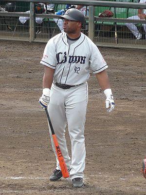 Dee Brown (baseball) - Image: SL Dee Brown 20100829