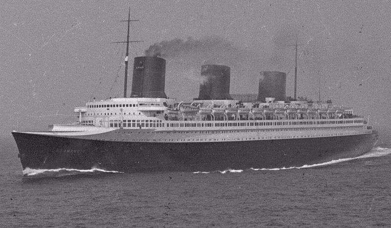 Файл:SS Normandie at sea view.JPG