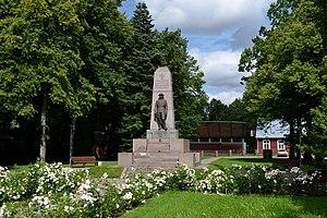 Kilingi-Nõmme - Image: Saarde Vabadussõja mälestussammas Kilingi Nõmmes