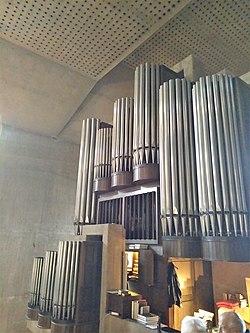 Saarlouis St. Ludwig (Innenraum und Mayer-Orgel) (3).jpg