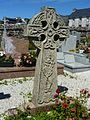 Saint-Rivoal 18 Tombe à croix celtique.JPG