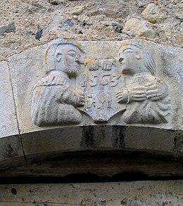 Claveau de porte daté 1563.