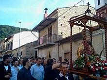 Statua di San Fabiano in processione a Valsinni (Mt)