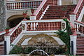 Sant Feliu, Palau Felguera, Façana del Jardi, detall de l'escala i la font.jpg